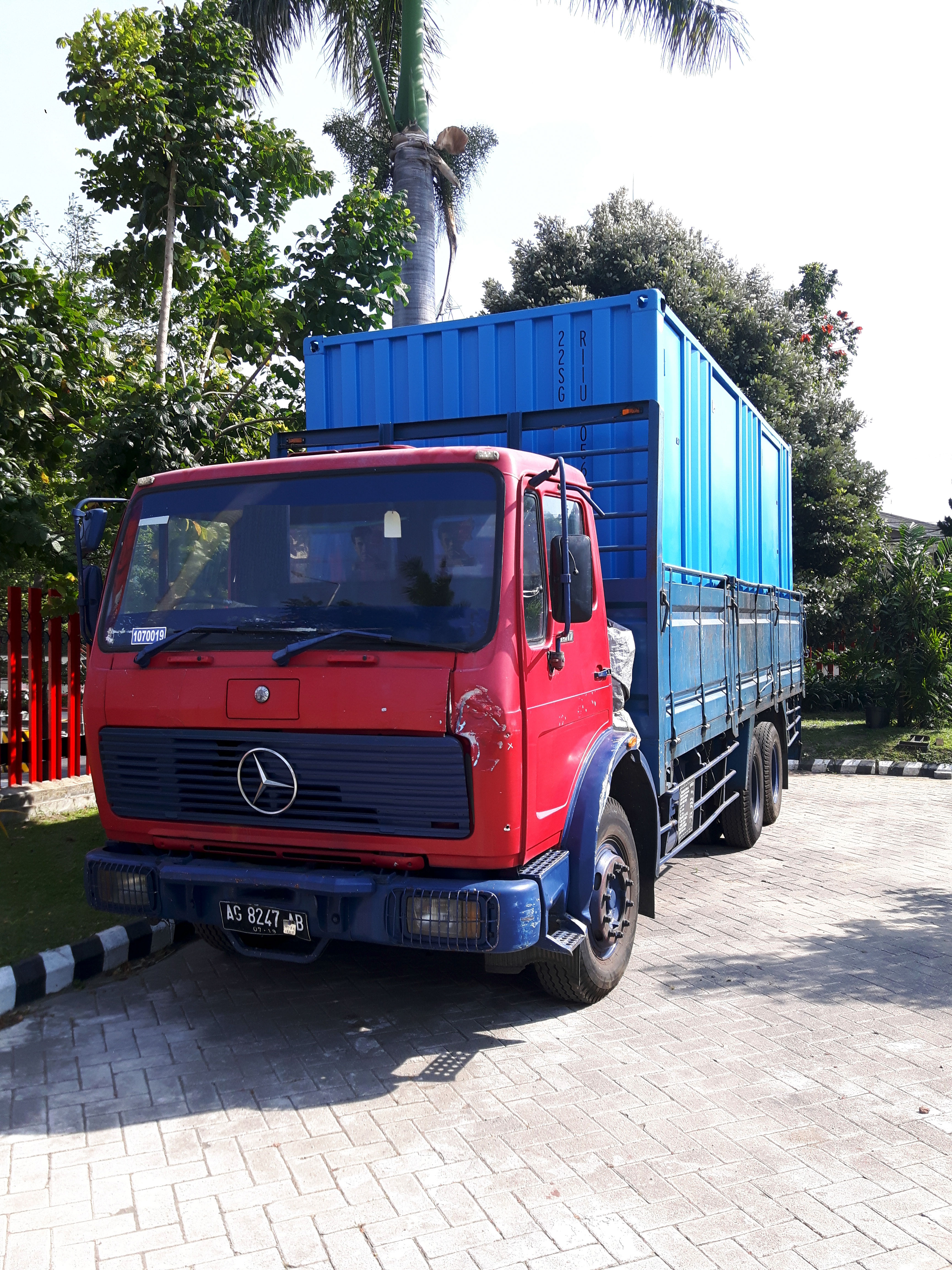 Container-mounted-JET-Master-on-a-clients-truck-Indonesia.jpg